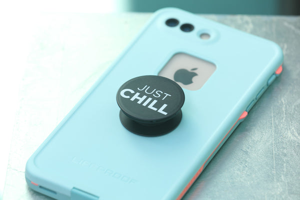 "Chill + Get a Grip ""Just Chill"" black & white"