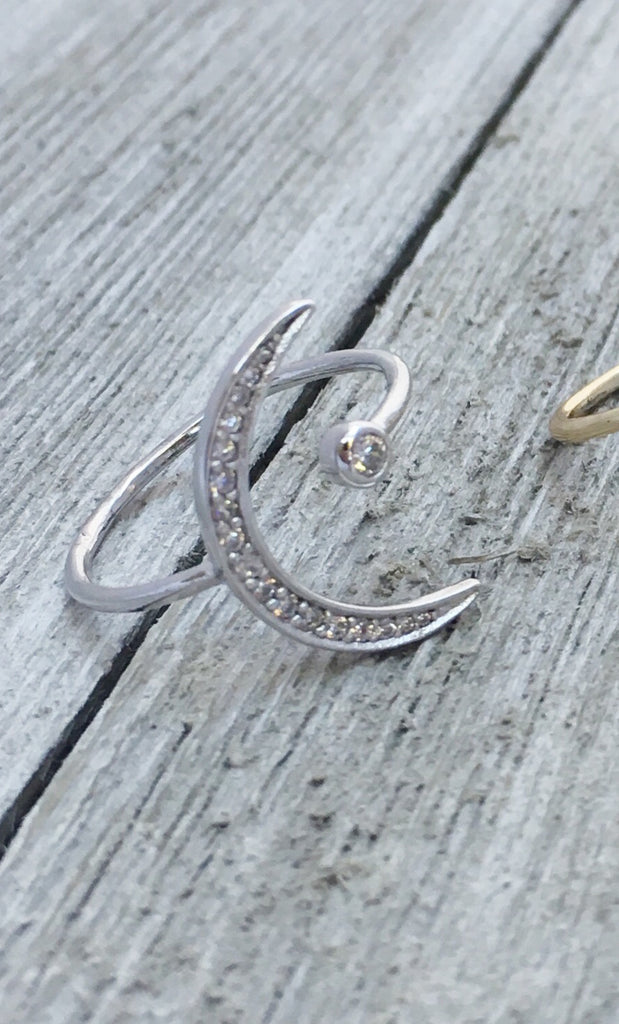 Shashi Crescent Moon RIng