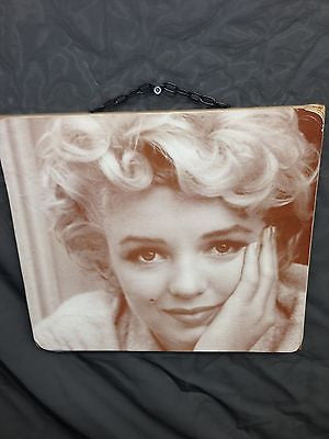 Marilyn Monroe Wooden Panel Hanging Print with attached Chain for Hanging - Cool