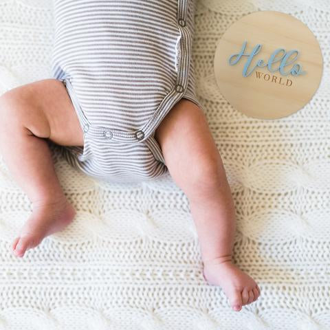helloworld-birthannouncement-plaque-nest-accessories-faith-laine-baby
