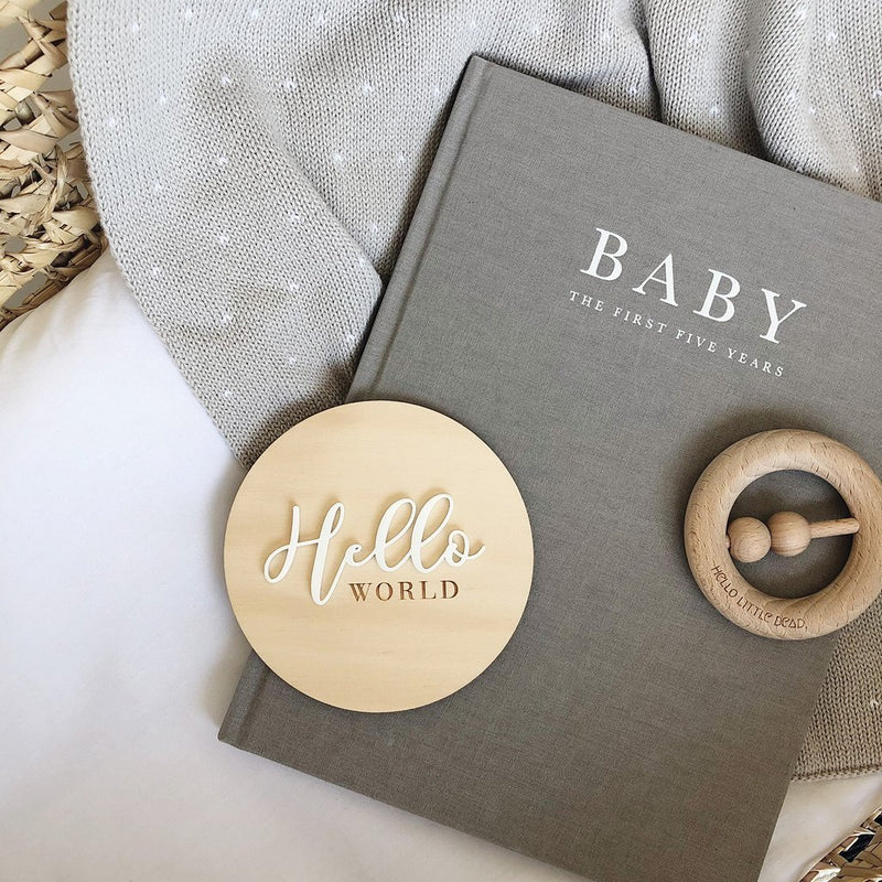 helloworld-birthannouncement-plaque-nest-accessories-faith-laine