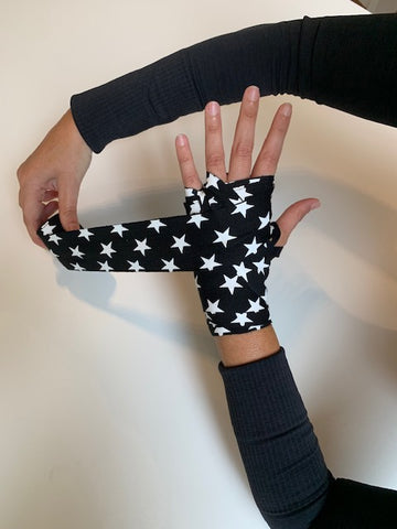 HOW TO WRAP YOUR HANDS FOR BOXING! – Unit Nine
