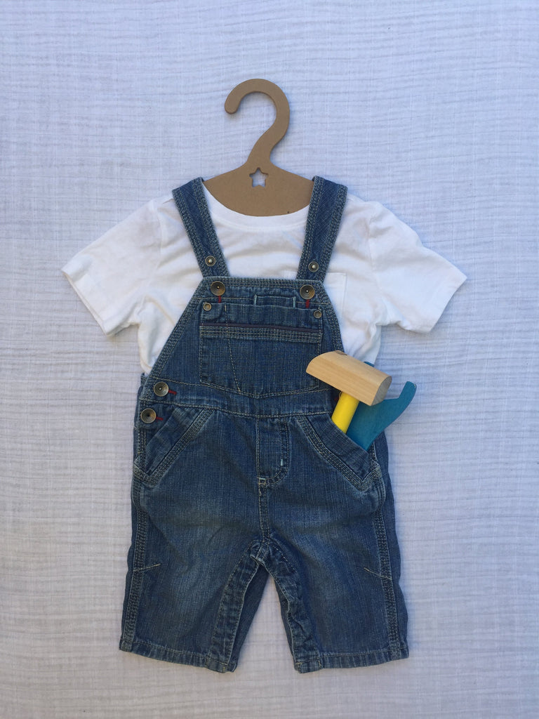 baby hanger, star die cut, overalls, 100% recycled paperboard, 100% recyclable