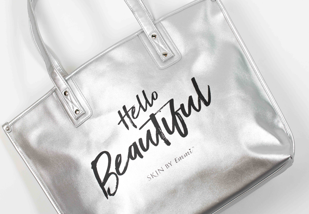 "emmiSKIN Palm Beach ""Hello Beautiful"" Tote: SILVER"