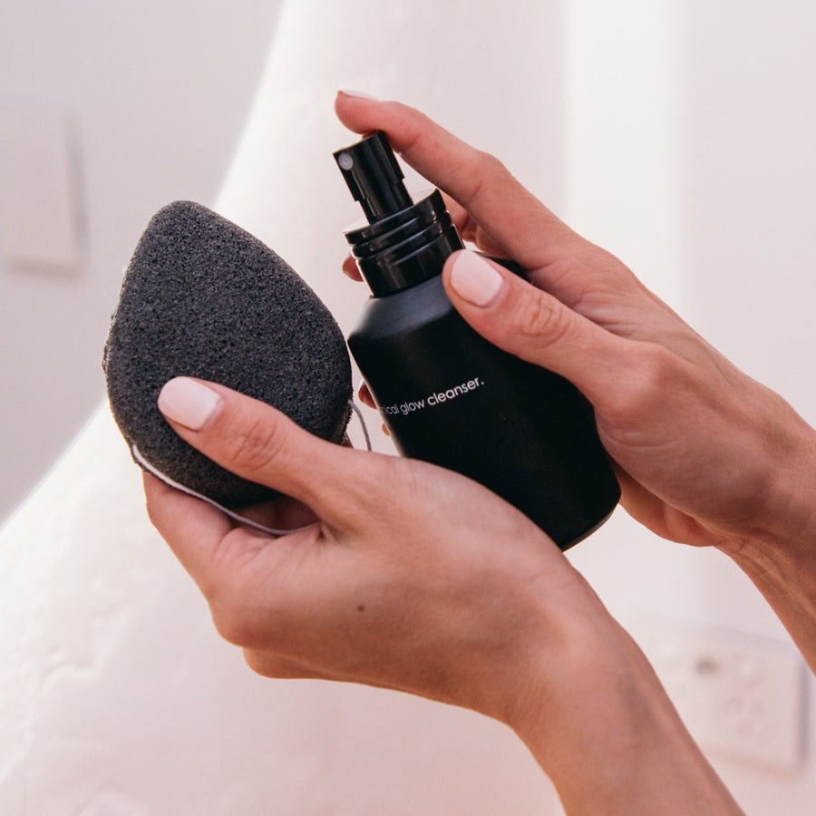 Charcoal Konjac sponge is eco-friendly, 100% natural, and made from Konjac plant roots along with bamboo charcoal. This AMAZING exfoliating and cleansing sponge is also 100% biodegradable and proven to reduce blemishes, breakouts, acne, oily skin, and remove makeup with just WATER!