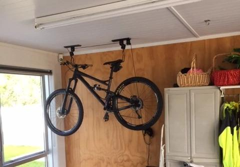 Unior Bike Lift With Bike