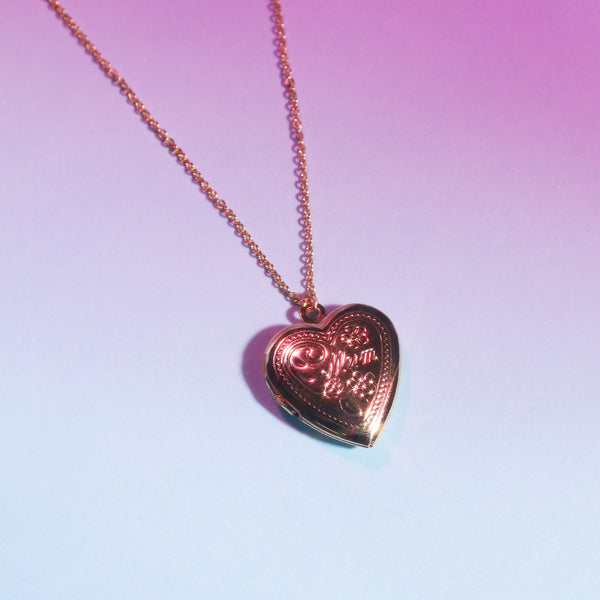 """Mum"" locket Necklace"