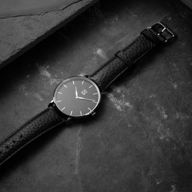 Classic Minimal Watch - Silver & Black