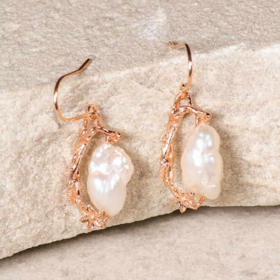 Asymmetric Rough Pearl Earring - Rose Gold
