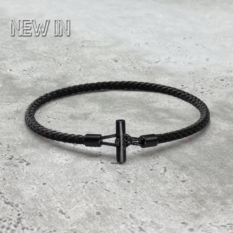 Men's Bar Bracelet in Rope - Our Men's Minimal Bar Bracelet has been Crafted Using the Finest Woven Nylon Rope to Create the Highest Quality Bar Bracelet. An Essential Piece for Every Wardrobe.