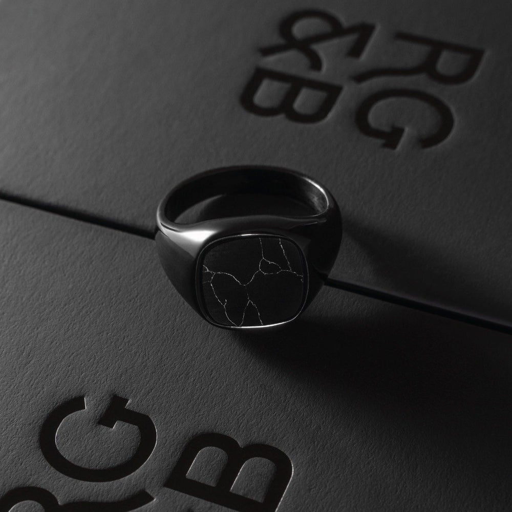 Minimal Signet Ring in Black - Our Minimal Men's Signet Ring in Black has been crafted to be worn on a day-to-day basis or even on a night out.