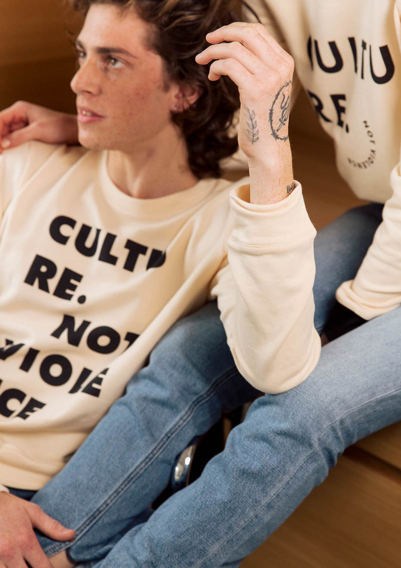 Typo Long Sweatshirt in Cream