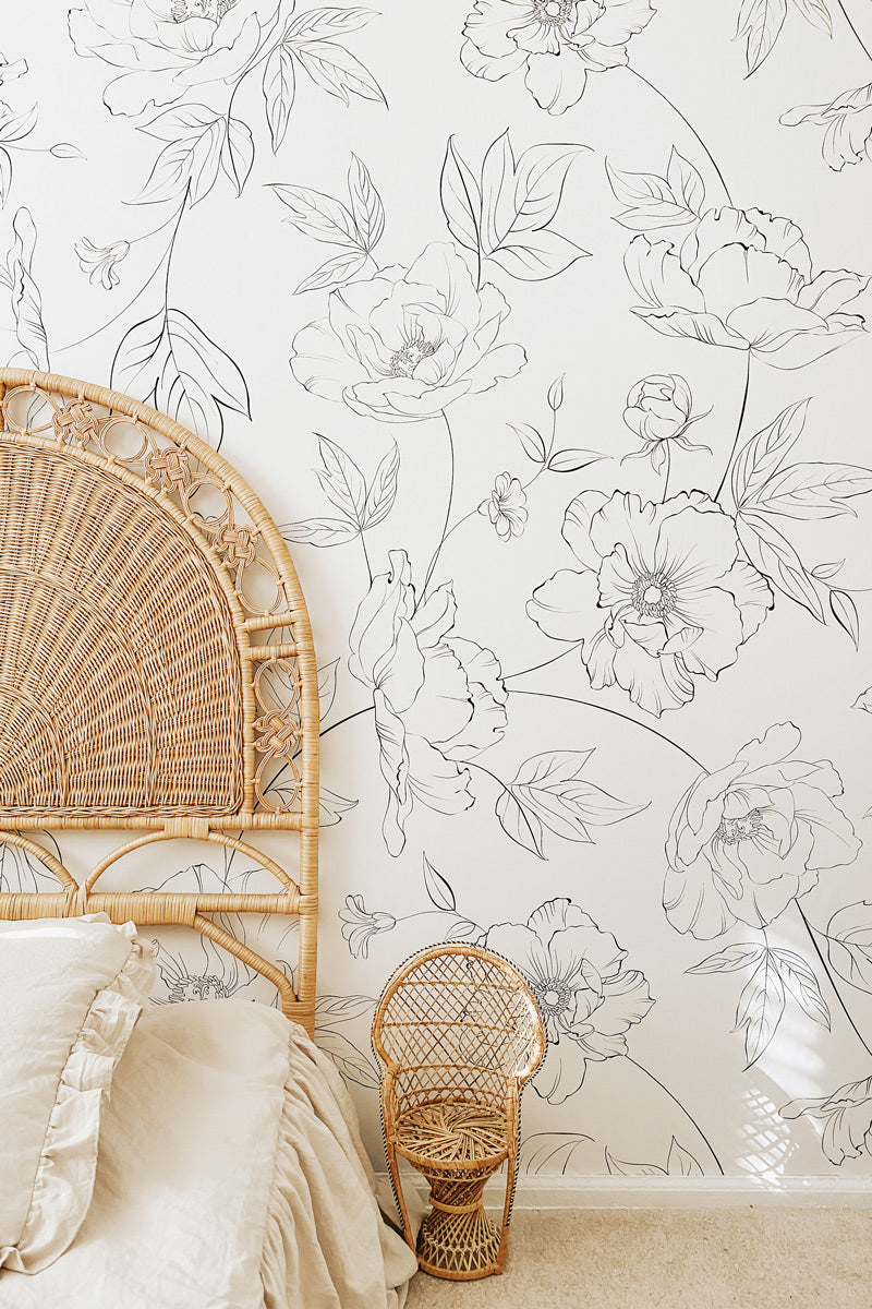 Floral wallpaper in boho style girls bedroom
