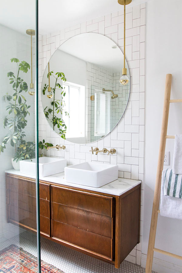 Bathroom with brass elements