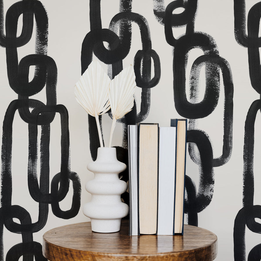 Brush stroke design wallpaper with chain pattern