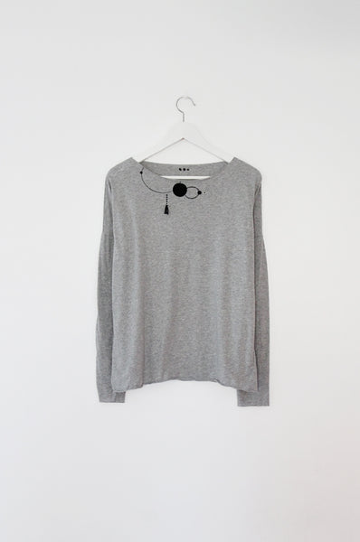 Grey shirt with black circles print