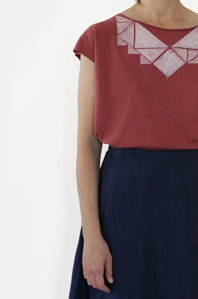 Red wine & White Triangles shirt