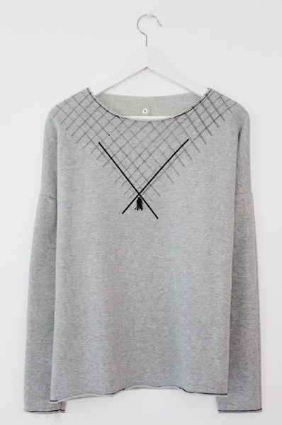 Grey sweatshirt with diagonals print