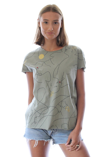 Abstract kissing faces Sage green T