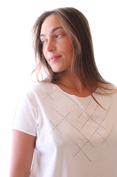 White T with Printed Grey dots