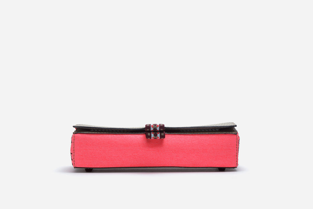 Front view of pink brush case with easy open elastic pull tabs