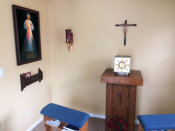 Chapel Installs Image in 3 Languages: English, Spanish and Korean