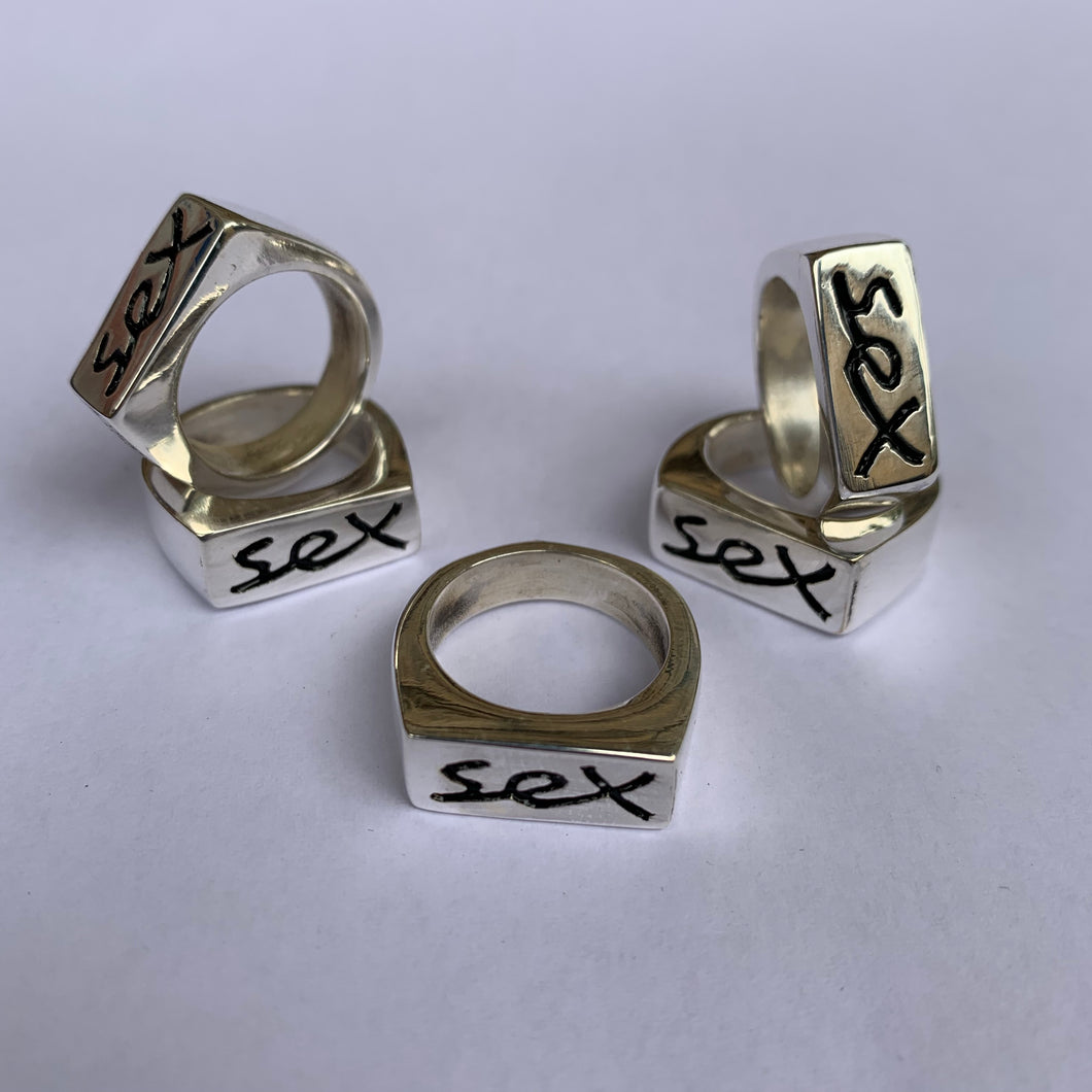 SILVER SEX RING (medium SIZE P)