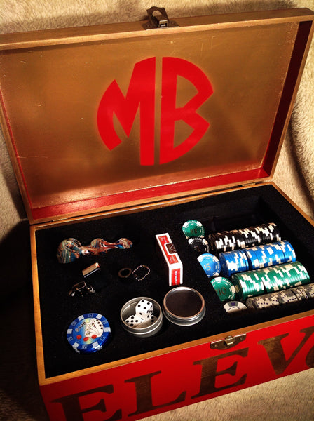 MARLIEBOX Shot Glass Accessory kit 0000001 MARLIEBOX POKER NIGHT KING KIT WITH REAL CASINO POKER CHIPS AND SHOT GLASSES