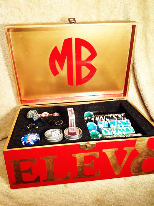 MARLIEBOX POKER NIGHT KING KIT WITH REAL CASINO POKER CHIPS AND SHOT GLASSES