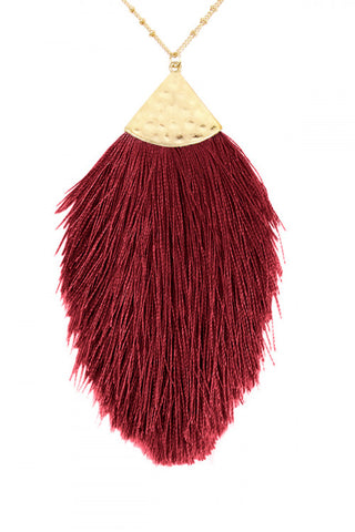 BURGUNDY TASSEL PENDANT NECKLACE