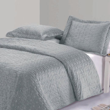 MAISON LUXE - Tressa Velvet Coverlet Set - King