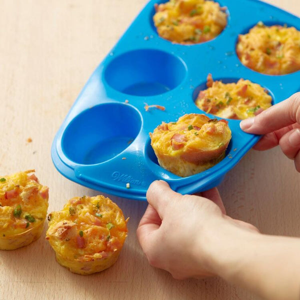 WILTON - Easy-Flex Silicone Muffin and Cupcake Pan, 6 Cup - Blue