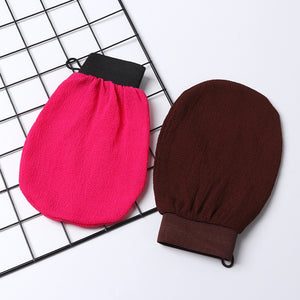 Exfoliating Gloves for Clean Cosmetics and Natural Skincare