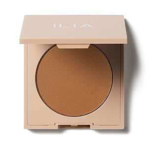 Natural Makeup Clean Beauty Products ILIA NightLite Bronzing Powder Best Bronzer