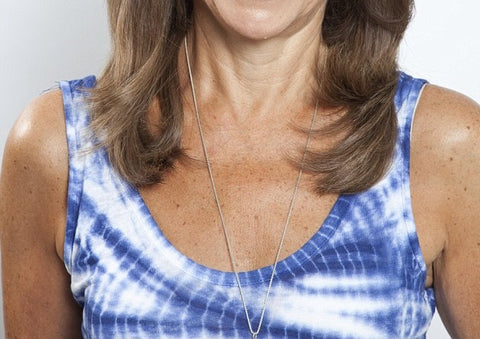 woman with decolletage wrinkles