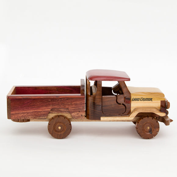 Wood Pickup Toy - Congo Costa Rica