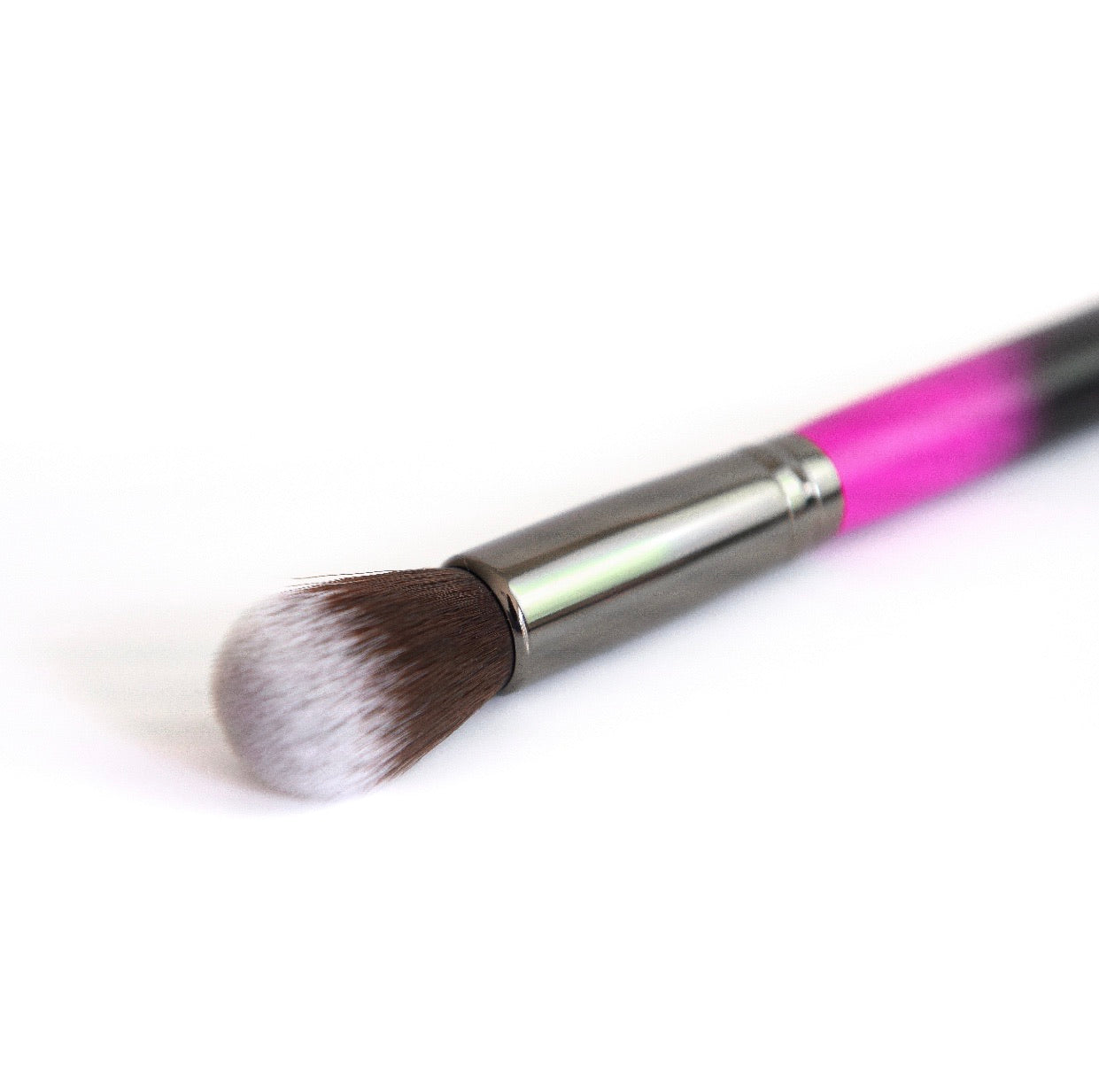 R14 Mini Domed Kabuki Brush