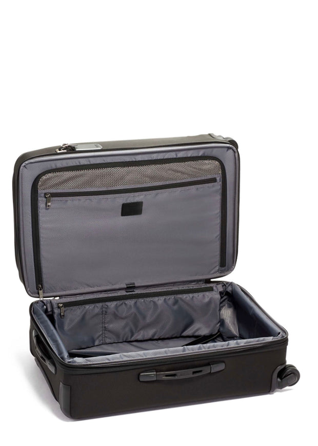 Short Trip Expandable 4 Wheeled Packing Case