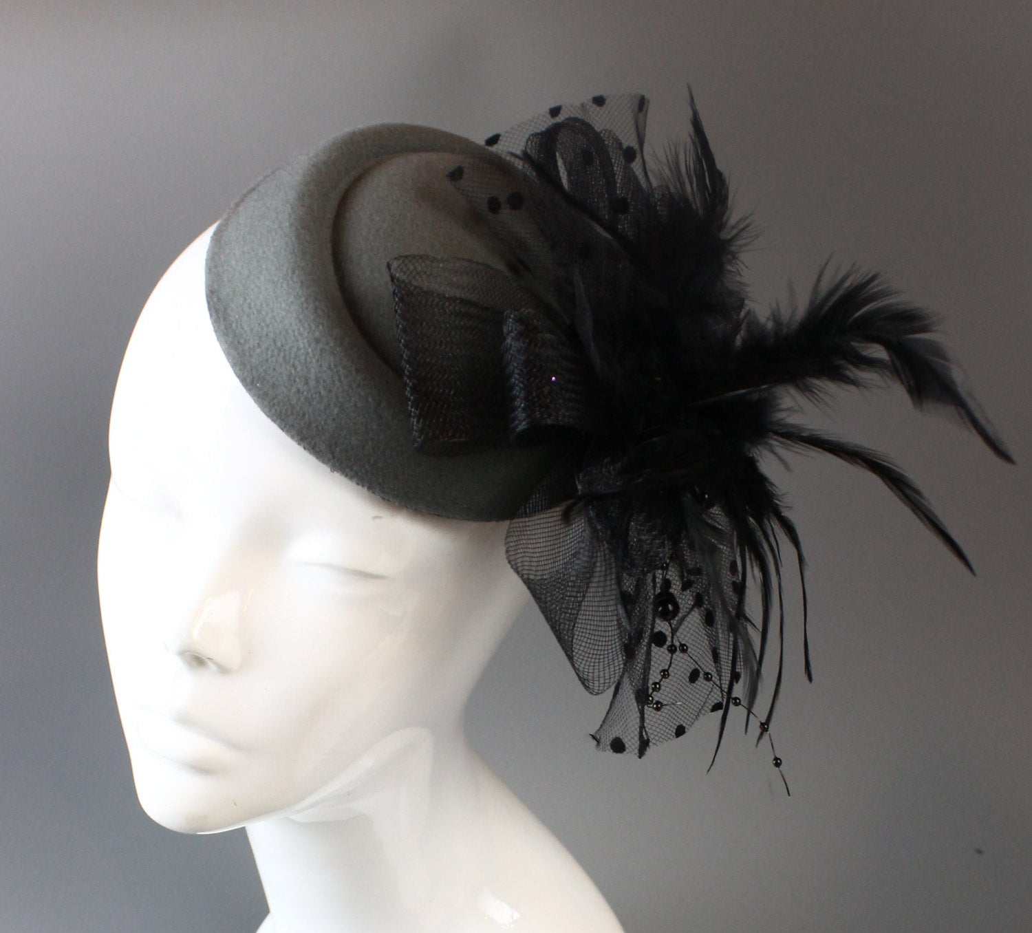 Caprilite Bespoke Fascinator Hat Pill Box Veil Hatinator UK Wedding Ascot Races Clip Felt