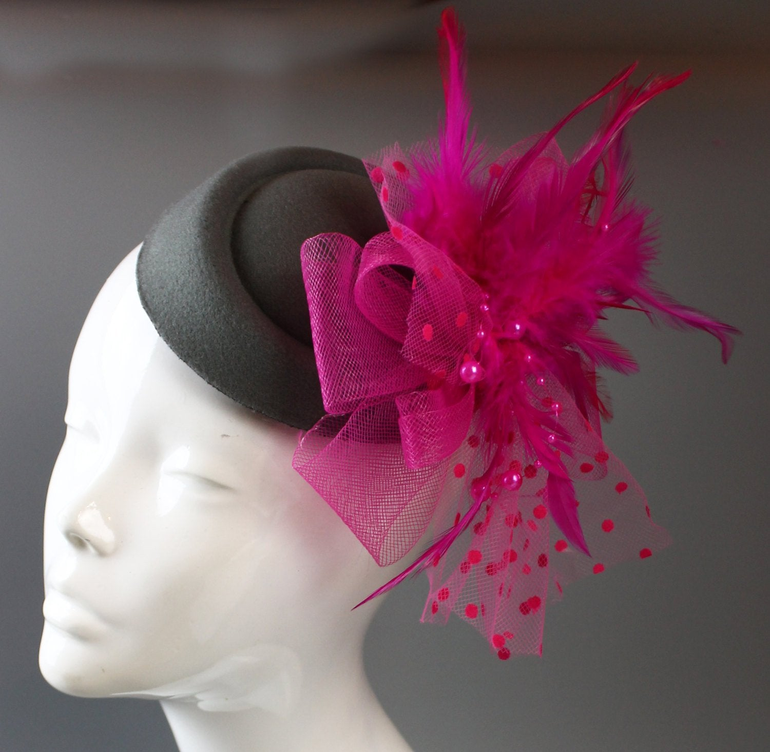 Caprilite Grey and Fuchsia Hot Pink Fascinator Hat Pill Box Veil Hatinator UK Wedding Ascot Races Clip Felt
