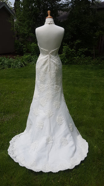 Allur Lace Sheath Wedding Gown