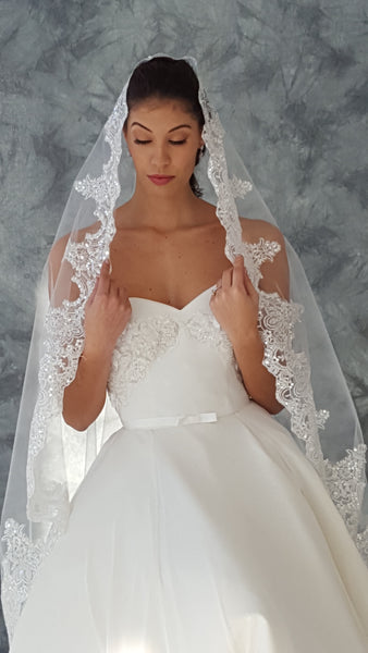 Mantilla Fingertip Length Lace Drop Wedding Veil