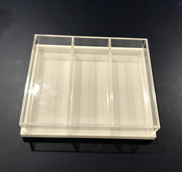 3 Section Lucite Dish With White Lid 11x9