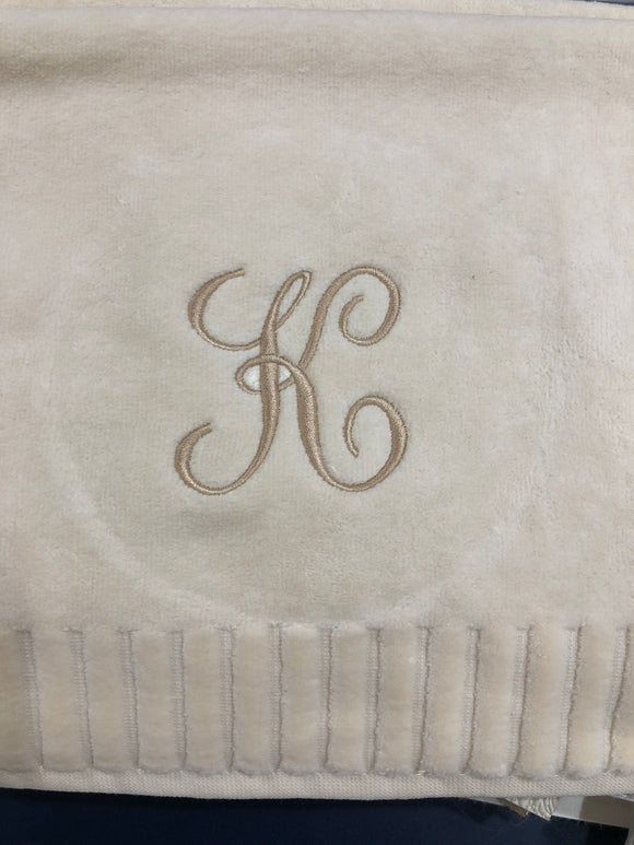 Finger Towel Cream W/Gold Initial