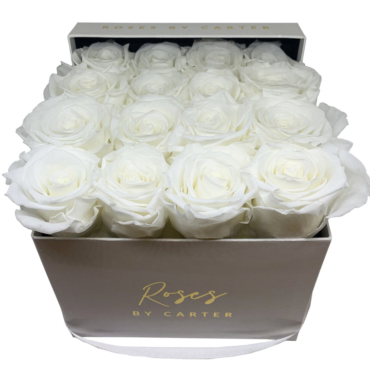 White Lux Box - Pure White 1 Year Roses