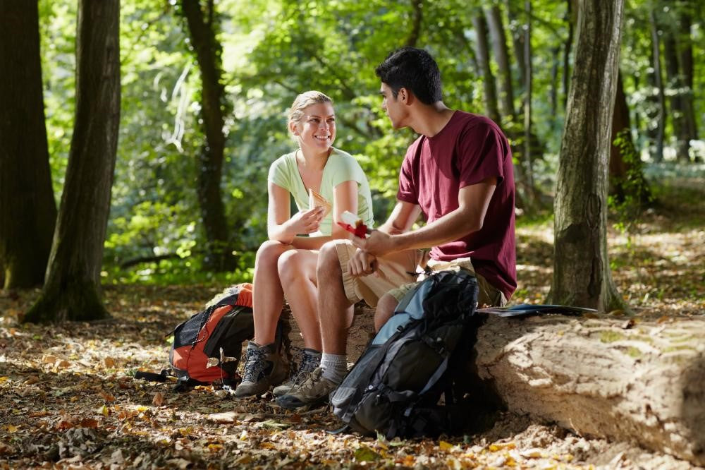 Tips for Healthy Snacking While Backpacking