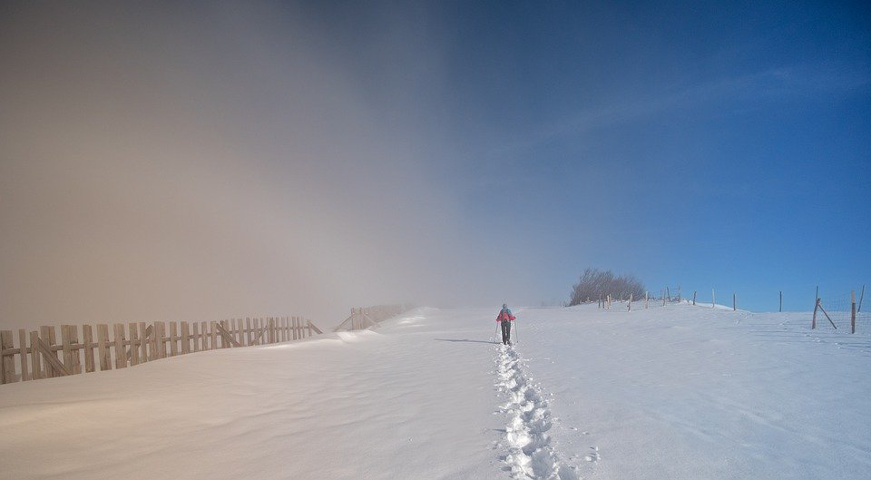5 Clever Winter Hiking and Backpacking Hacks