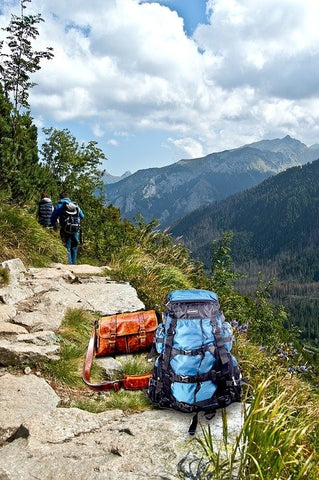 5 Travel Gadgets You Need for Your Next Backpacking Trip