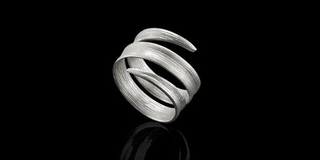 Ethical jewellery Catherine Zoraida Silver Blade of Grass Ring