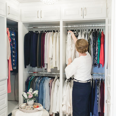 Tips from The Skirt Outlet on how to organize your clothes closet!